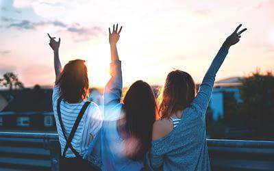 2 Easy Ways to Find Kick-Ass Women Friends that STEEL MACE